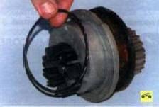 4. Снимите уплотнительное кольцо с