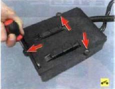 7. При необходимости замены адсорбера
