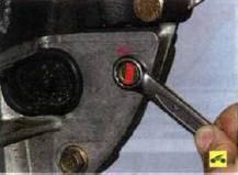 16. …и четыре болта (под ключ «на 14»)