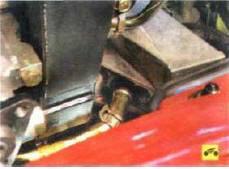 7. …и снимите шланг с трубки.